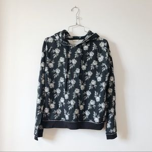 Aéropostale black and white roses hoodie